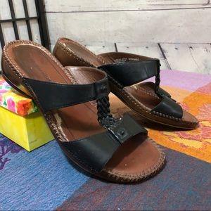 Naturalizer Slip-On Sandals in Black size 8 W